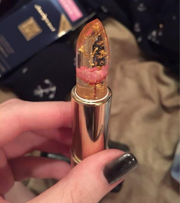 Unbelievable Real Flowers inside Lipstick!