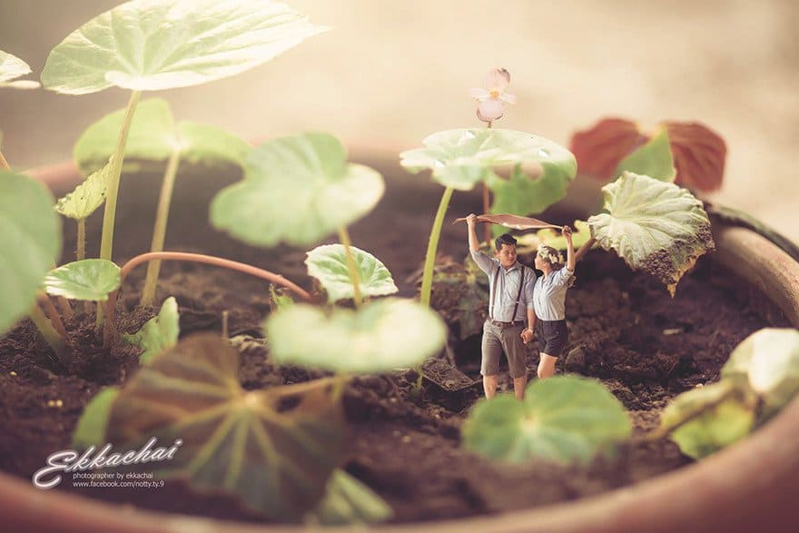Thai Wedding Photographer turns couples into miniature people