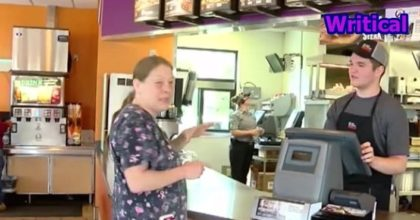 Taco Bell Cashier uses sign language to help deaf customers